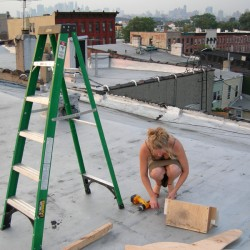 Such a Pretty Girl, Behave Yourself! 2006, rooftop live performance